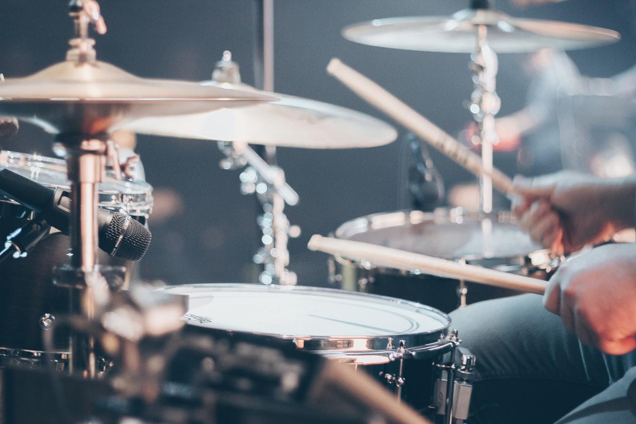 Blockflöte und Perkussions-Instrumente